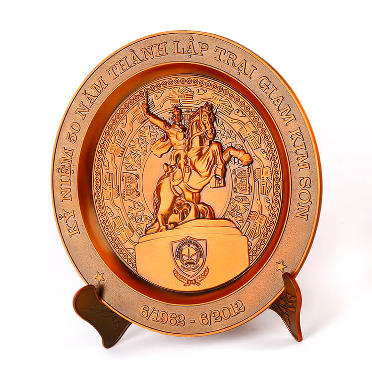 Custom Engraved Country Metal Plate Souvenir with Wooden Base